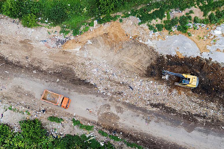 Путин: Размещение отходов в регионах должно согласовываться с гражданами